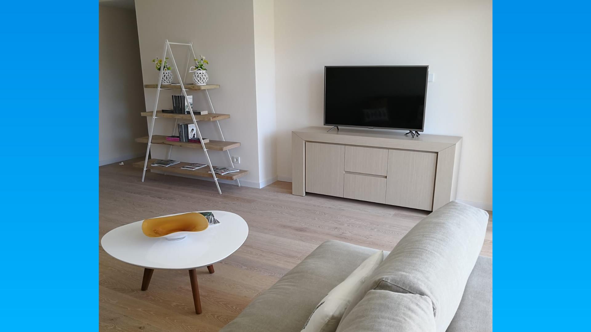 Building 5&6) 2 bedroom apartment, porche, terrace and solarium in