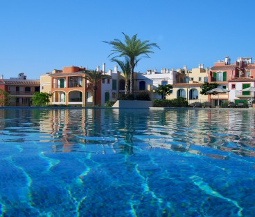 (Building 5&6) 3 bedroom apartment, porche and garden in Portocolom